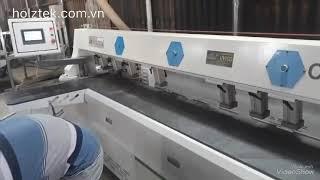 Máy khoan ngang CNC định vị hồng ngoại trong xưởng sản xuất nội thất chuyên nghiệp