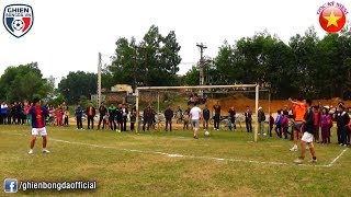 Bình Luận Fun   Chết cười với loạt Penalty kịch tính trên sân bóng làng