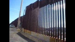 preview picture of video 'USA/Mexico Border Fence - Nogales, Arizona'