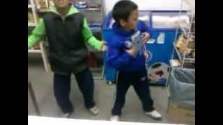 preview picture of video 'LOS PIBES EN EL CITY LAN BAILAN, NENE MALO!!!'