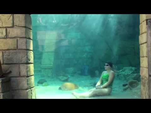 Mermaid Melissa 4:32 female breath hold record underwater