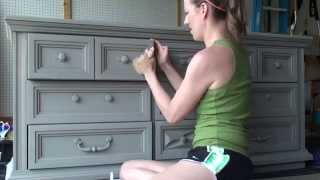 Pretty Distressed™ Annie Sloan Chalk Paint® Tutorial #4 - Clear Wax