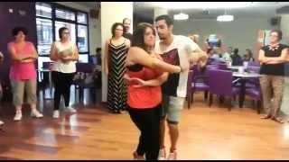 Mara y Anto bailando bachata  - Solo quiero - Johnny Sky (parte 1)