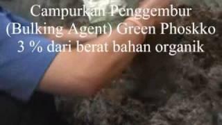 preview picture of video 'Mencacah Tandan Sawit dan Membuat Kompos'