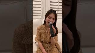 """Hương Tràm xúc động live ca khúc """" Đi để trở về 5 p1"""""""