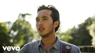 Laine Hardy Let There Be Country (Acoustic)