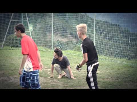 Die Fitness der Ball der Öbung für die Abmagerung der Gesässbacken und beder