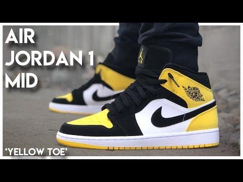 Air Jordan 1 Mid 'Yellow Toe'