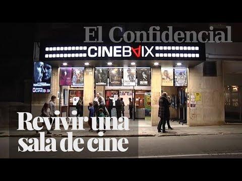 Los vecinos de Sant Feliu de Llobregat trabajan de voluntarios para salvar un antiguo cine
