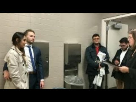 NJ couple gets married in courthouse bathroom