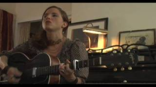 "MOGtv: Live: Jolie Holland Sings ""Mexico City"""