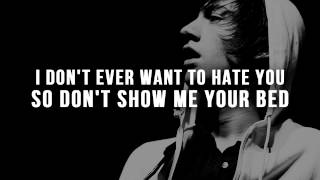 Arctic Monkeys - Temptation Greets You Like Your Naughty Friend (No Rap) [Lyrics]