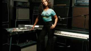 Alicia Keys- Little Drummer Girl