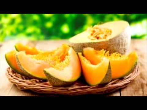 Разрешенные:фрукты,овощи,ягоды и зелень для декоративных кроликов