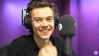 harry styles being cute for 6 minutes straight