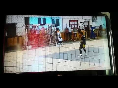 Penalti defendido em Arandu (Diego)