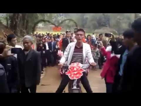 Rước dâu đám cưới bằng xe cải tiến ở Nghệ An