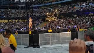 Taylor Swift - Shake It Off ( The Reputation Stadium Tour ) Manchester Etihad Stadium