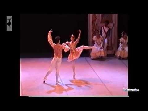 Baile de Graduados 2  PD: Yanela Piñera-Lissi Báez-Ernesto Quenedit