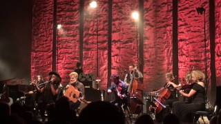 Glen Hansard Live At <b>The Vic </b>Theater In Chicago