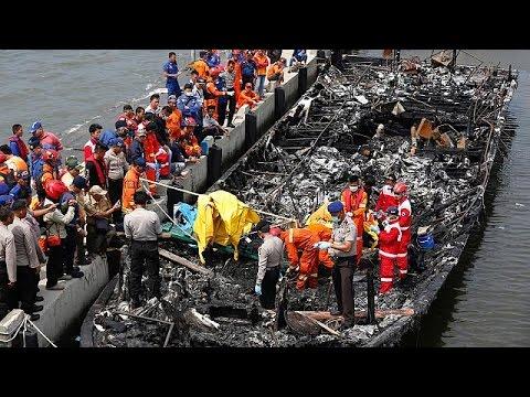 Ινδονησία: Συνελήφθη ο καπετάνιος του φέρι που τυλίχθηκε στις φλόγες