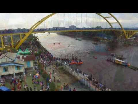 Video Udara: Serunya Tradisi Petang Megang Ribuan Masyarakat Pekanbaru di Tepian Sungai Siak