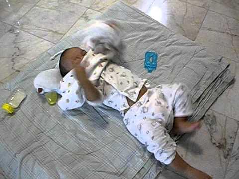 การเยียวยาชาวบ้านหนอนนมกับกระเทียม