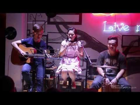 Thuỳ Chi Live - Ba Kể Con Nghe ( Hay Hay Hay)