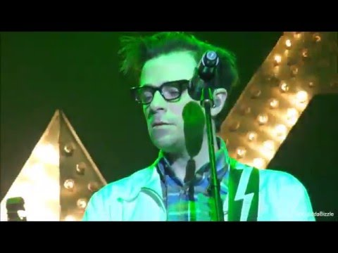 Weezer - Hash Pipe [HD] live 8 4 2016 HMH Amsterdam Netherlands