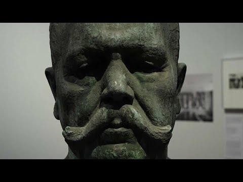 Έκθεση που παρουσιάζει έργα των αγαπημένων καλλιτεχνών του Χίτλερ…