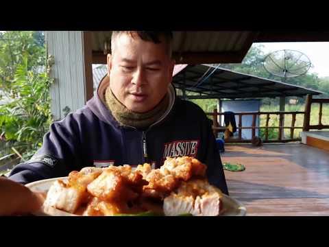 มารพิณกินข้าวต้มกระดูกหมูบ้านมิสเตอร์ฮอตเซีย