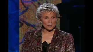 Anne Murray is inducted into the Canadian Songwriters Hall of Fame (CSHF)