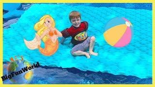 GIANT Intex Floating Mat and MERMAID Tail Float | Zane's BigFunWorld