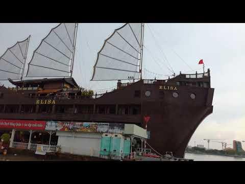 Tàu ELISA Ở SÔNG SÀI GÒN QUẬN 1 TP HỒ CHÍ MINH