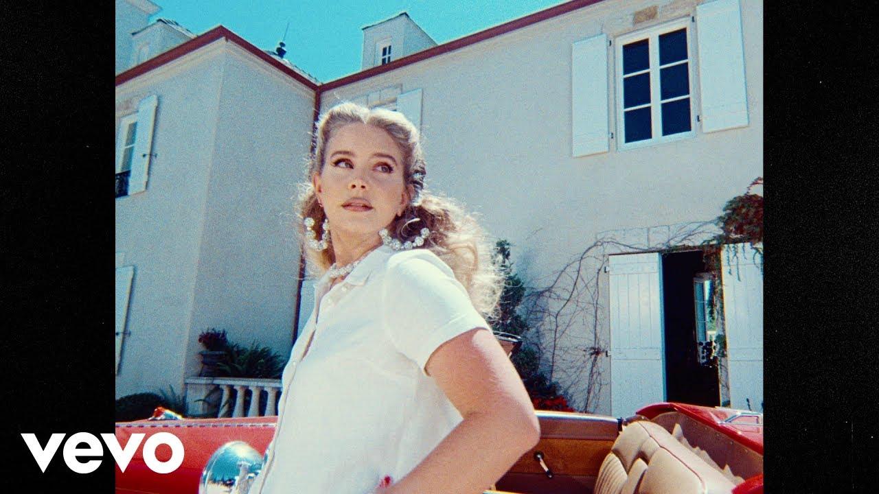 Lirik Lagu Chemtrails Over the Country Club - Lana Del Rey dan Terjemahan