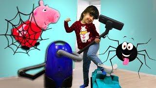 Пылесос Атакует Паука - спасает Свинку Пеппу и ее друзей. Веселые дети против Пылесоса.