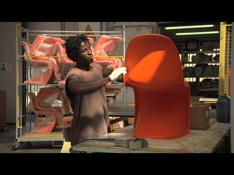 The manufacturing of the Panton Chair