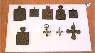 Новгородские судебные приставы впервые передадут в пользу государства наперсные иконы