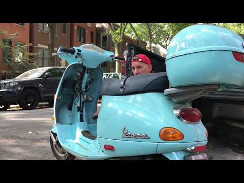 Vespa ET4 how to remove body panels and install throttle line