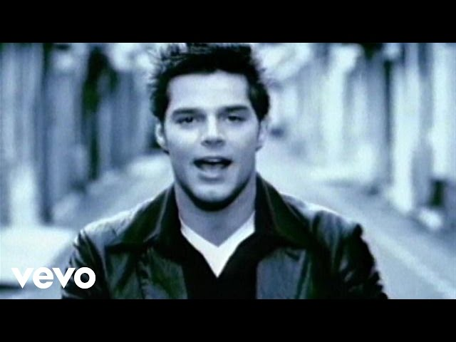 Ricky Martin - María (Spanglish Video Remastered)