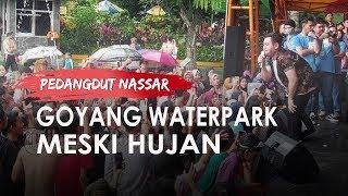 Ikut Hujan-hujanan Bareng Penonton, Nassar Hibur Pengunjung The Jungle Waterpark Bogor