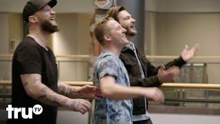 Big Trick Energy - Magicians' Escalator Tricks Get Scored by Shoppers (Clip) | truTV