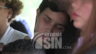 En medio de profundo pesar sepultan los restos de la madre de Yatnna Rivera