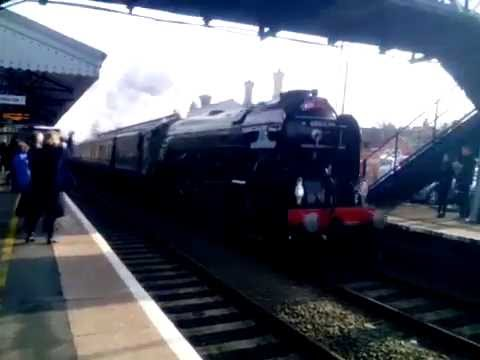 LNER A1 60163 'Tornado' steams through Evesham with 'The Red…