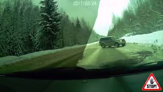 Зимние заносы   Гололед на дороге