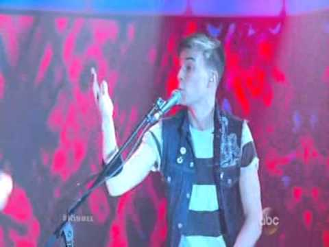 Jimmy Kimmel Live Performance By Matt & Kim - New Glow