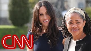 Meghan Markle will walk herself down the aisle at royal wedding - Video Youtube