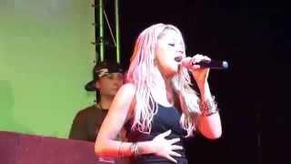 Kat DeLuna - Whine Up (live show)