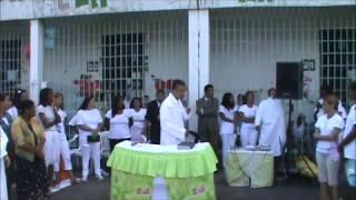 Batismo no presídio feminino