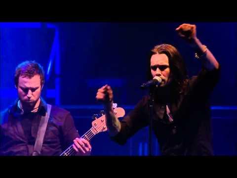 Alter Bridge - In Loving Memory Live (with lyrics) HD